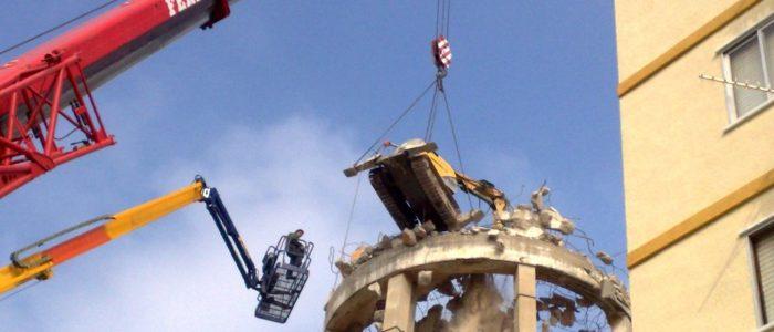 Demolición de depósito de agua potable de hormigón. CADERSA, SL.