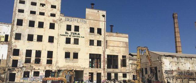 Demolición Cerveza Turia València. CADERSA,SL